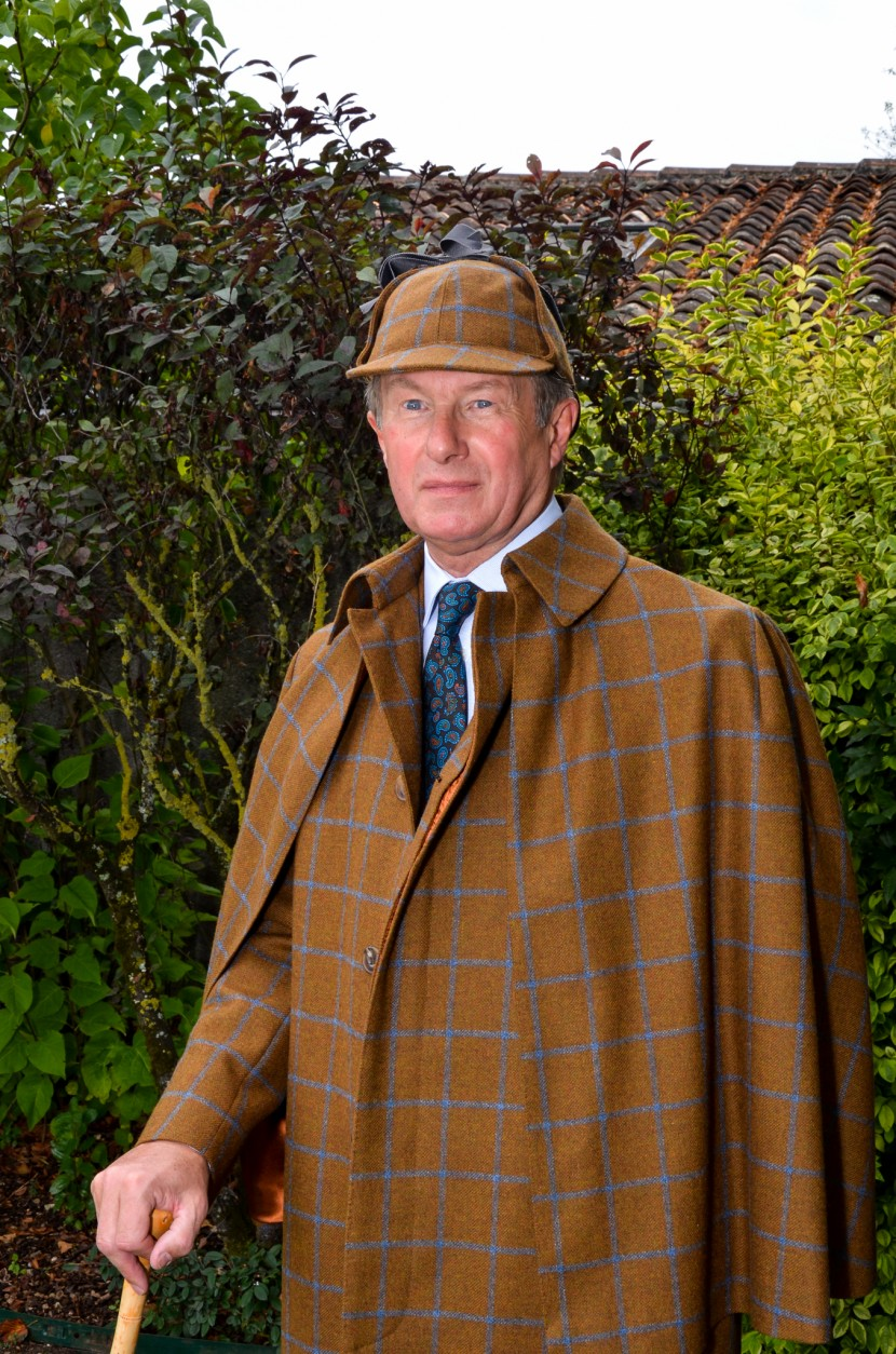 COUNTRY-STYLE-SUIT-WITH-INVERNESS-CAPE-AND-DEER-STALKER-HAT-4-830x1254.jpg